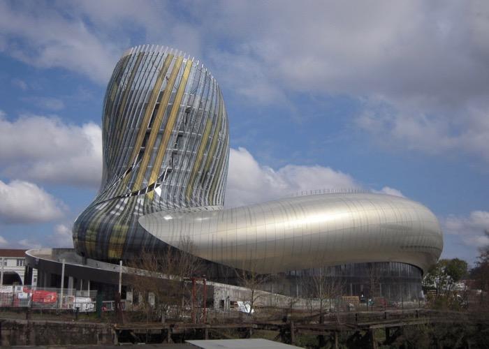 Visite de la cité du vin à Bordeaux lors d'un séminaire à Bordeaux