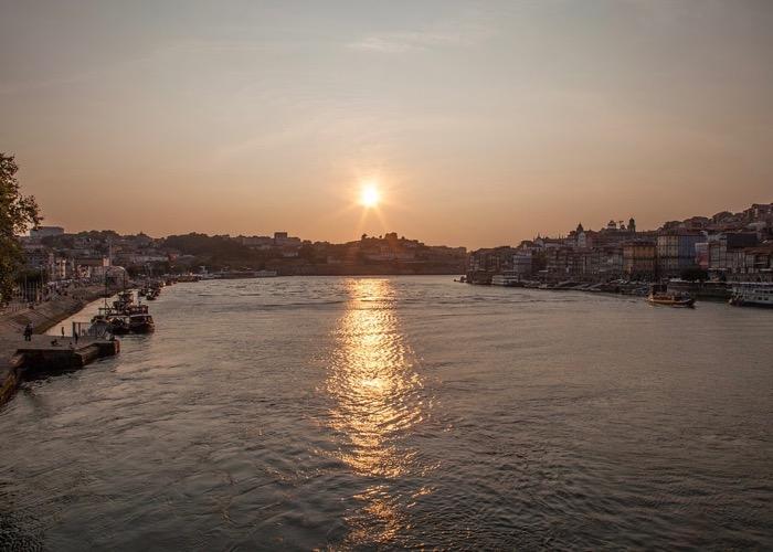 Port ; séminaire ; Portugal ; Douro ; sun ; soleil ; fleuve ; activité ; entreprise ; wine passport