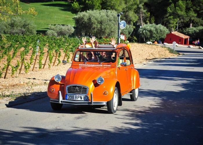 Activité de balade en 2cv lors de votre séminaire en Provence