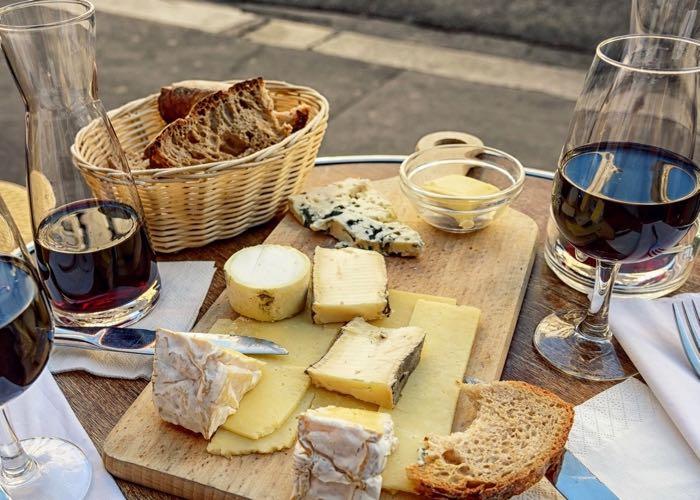 activité ; gastronomie ; dégustation ; vin fromage