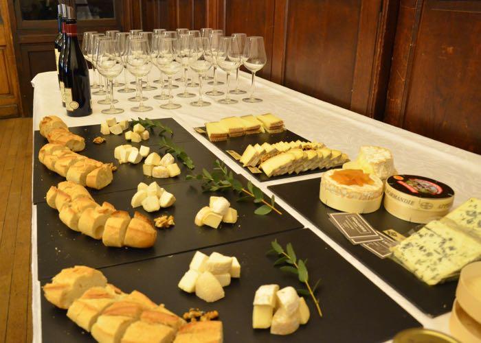 dégustation vin et fromages, verre de vin, verre à vin, fromage, tasting, Paris, évènement, entreprise