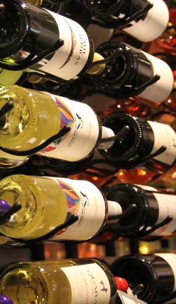 vin, collection, bouteille, cave, vin blanc, vin rouge, dégustation, initiation à la dégustation, séminaire, cocktail